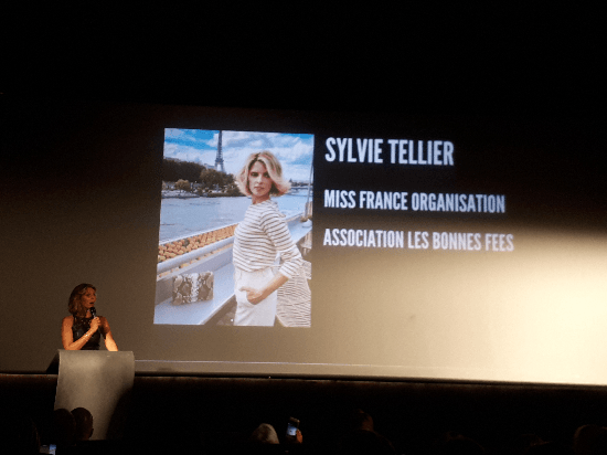 Sylvie Tellier aux influenceurs family award